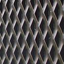 Parapetti e protezioni in lamiera stirata Fils e Italfim: resistenza, estetica, configurabilità